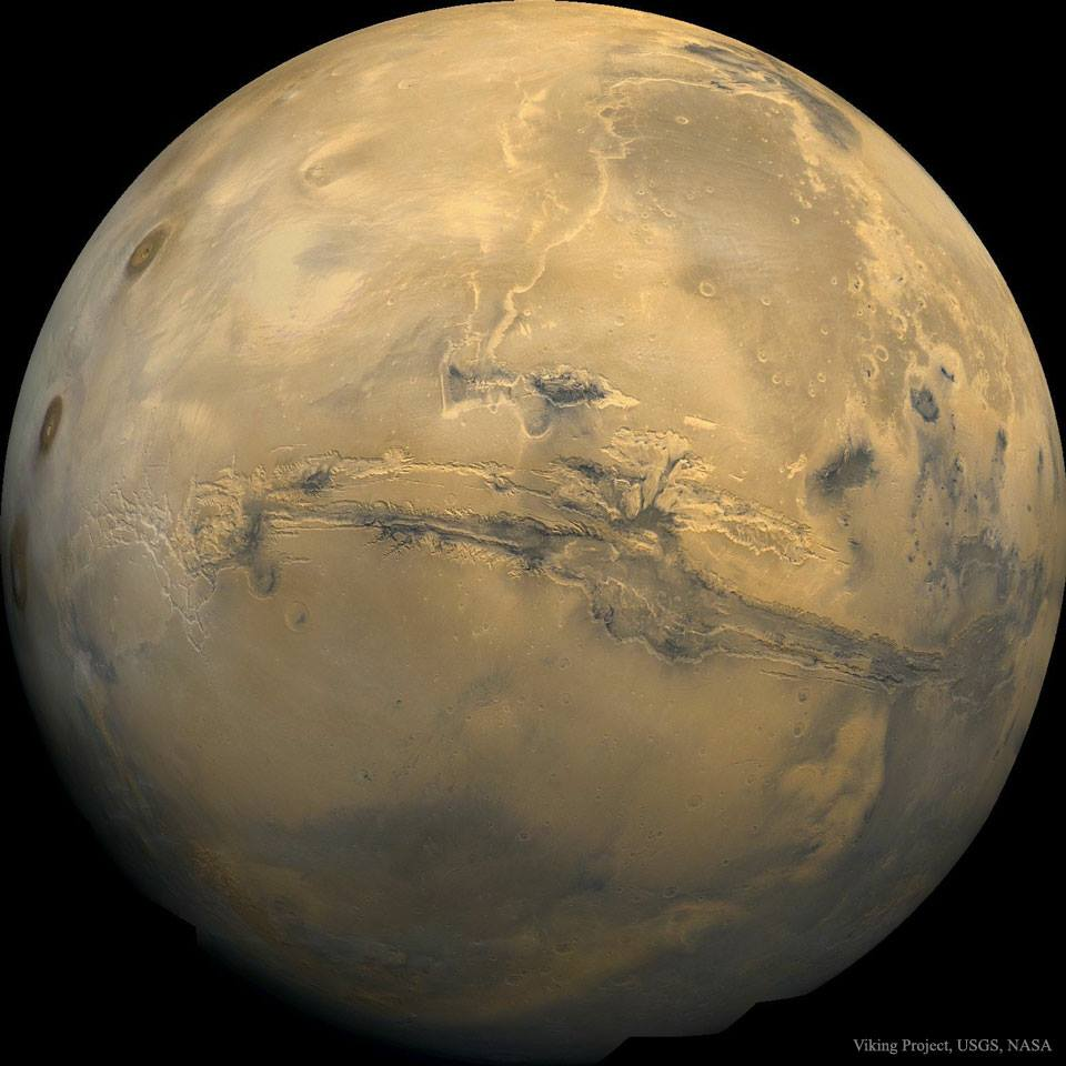 Un campo magnetico artificiale per far tornare l'acqua su Marte
