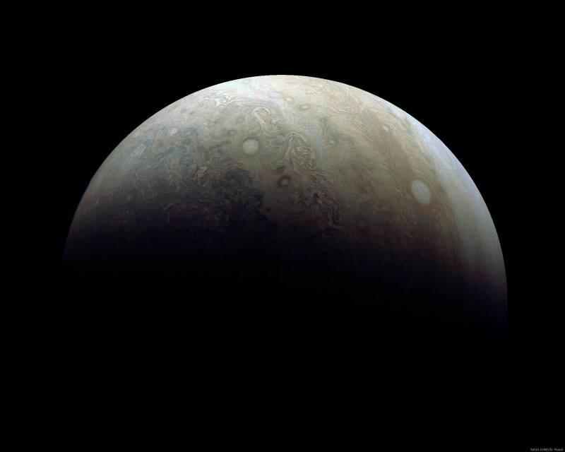 Il polo sud di Giove durante il flyby del 2 febbraio