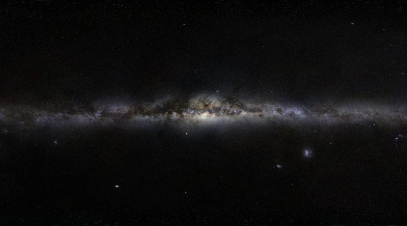 Panorama del cielo notturno